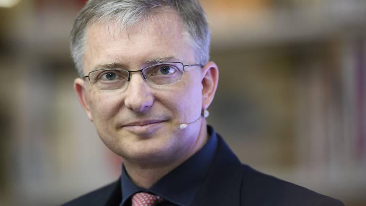 Markus Seiler, Chef des Nachrichtendienstes des Bundes (NDB), nimmt nach der RUAG-Spionageattacke die Unternehmen in die Pflicht. Sie müssten vermehrt für die Sicherheit ihrer Daten sorgen. (Archiv)