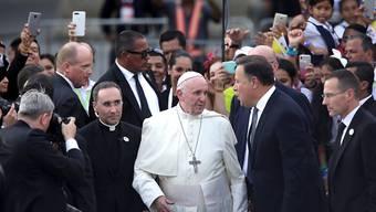 Am Mittwoch haben Tausende Papst Franziskus in Panama herzlich empfangen.