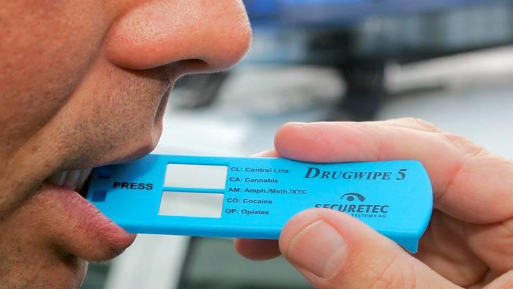 Drogenschnelltests zeigen innerhalb weniger Minuten, ob ein Autofahrer – wahrscheinlich – Drogen konsumiert hat.