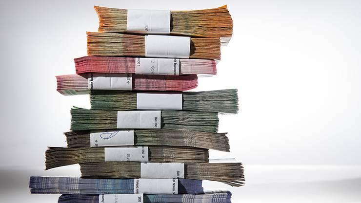 In der Bundeskasse lagen Ende des vergangenen Jahres 3,1 Milliarden Franken. Der Überschuss ist damit erneut höher als budgetiert. (Symbolbild)