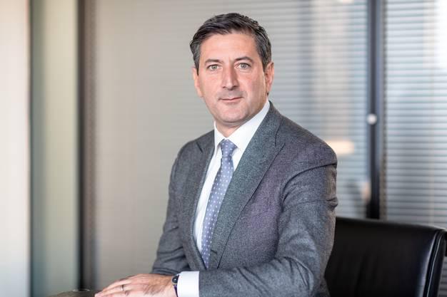 Die neue Strategie 2020–2024: Eine der ersten Aufgaben, die den neuen Konzernchef Roberto Cirillo erwarten, ist die Strategie der Post für die Jahre 2020 bis 2024. «Er gleist sie mit der Konzernleitung und dem Verwaltungsrat auf», sagt Hurni. Er betont, dass «nicht massive Korrekturen» nötig sein werden. Die Post habe sechs grosse Herausforderungen: Poststellennetz, Postauto, Rückgang des Briefvolumens, Zinssituation, Postfinance und politische Rahmenbedingungen. Die Post entwickelt die Strategie auf der Basis der Unternehmensziele des Bundes. «Letztlich entscheidet der Eigner über die Postdienstleistungen in der Schweiz», sagt Hurni, «insbesondere bei der Frage der postalischen Grundversorgung und deren Finanzierung.»