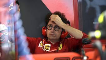 Ferraris Teamchef Mattia Binotto kann es nicht fassen