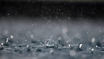 Mithilfe eines Spezial-Lasers erzeugten die Forscher Regentröpfchen