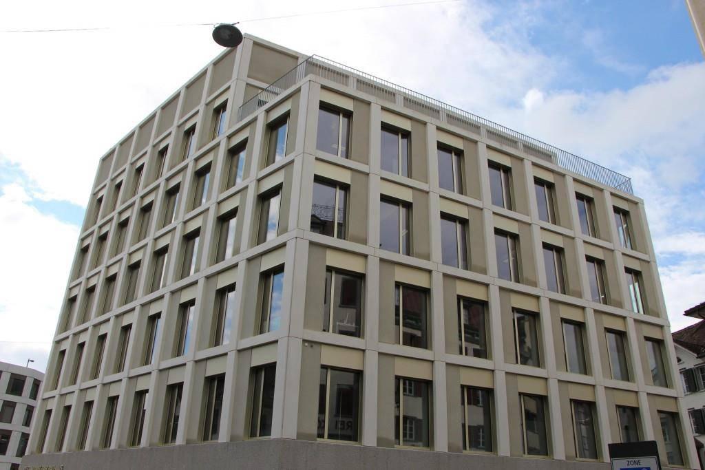 Im fünften Stock wurde der Angeklagte zu 12 Monaten Freiheitsstrafe verurteilt. (© FM1Today / Sandro Zulian)