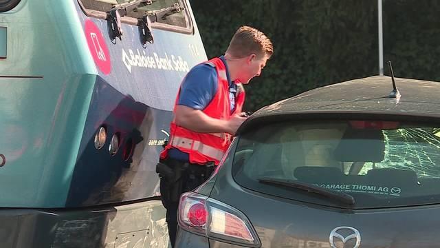 Auto wird auf dem Baseltor-Kreisel von Bipperlisi mehrere Meter mitgeschleift, der Lenker wird verletzt.