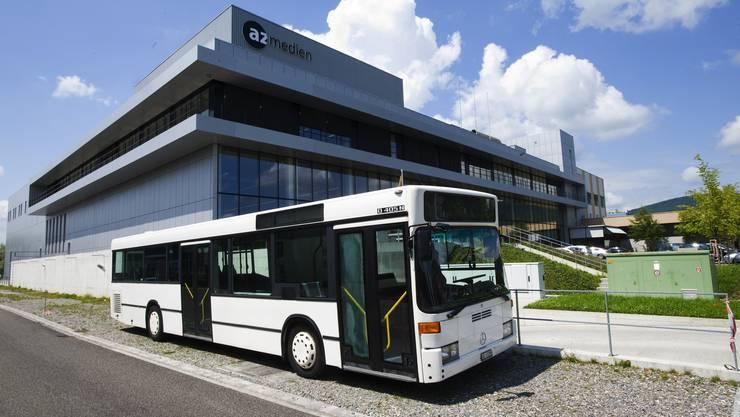 Der az-Wahlkampfbus vor dem az-Mediencenter in Aarau