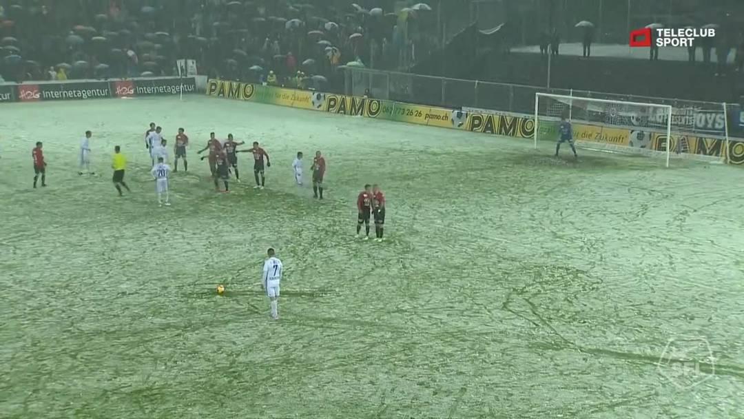 Challenge League, 2018/19, 32. Runde, FC Aarau – FC Lausanne-Sport, 38. Minute: Freistoss von Stjepan Kukuruzovic.