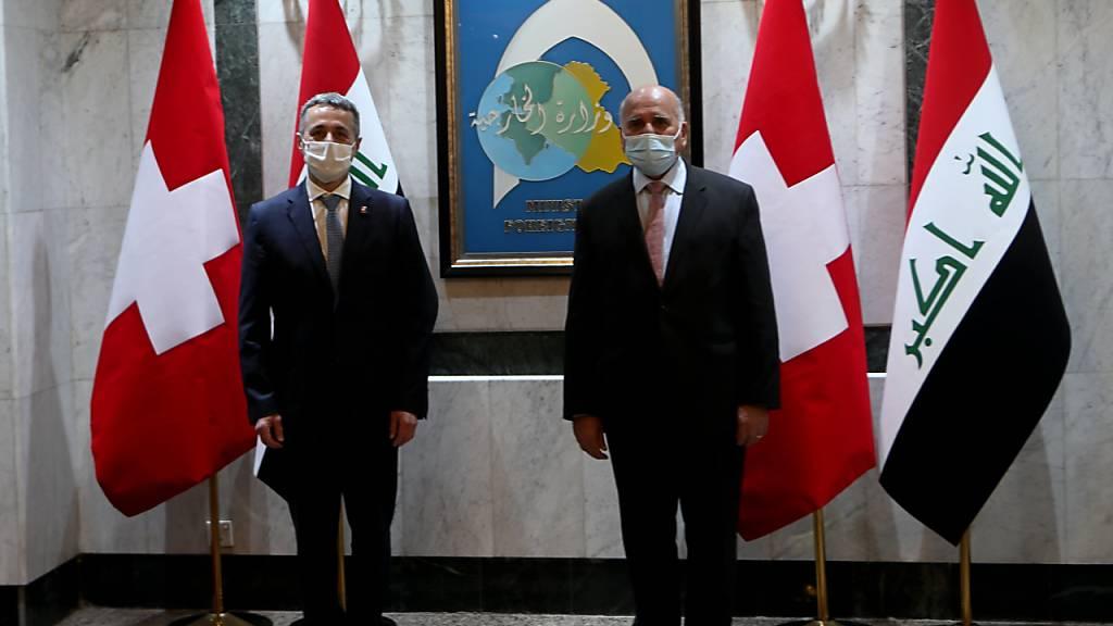 Die beiden Aussenminister Ignazio Cassis (links) und Fuad Hussein in Bagdad.