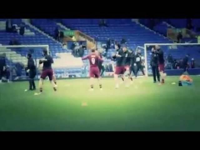 Lee Nelson läuft mit bei Everton gegen Man City
