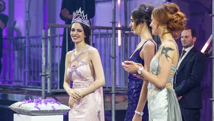Die strahlende Siegerin: «Ich realisiere noch gar nicht ganz, was überhaupt gerade abgeht», sagte Jastina Doreen Riederer, die Miss Schweiz 2018, kurz nach ihrer Krönung.