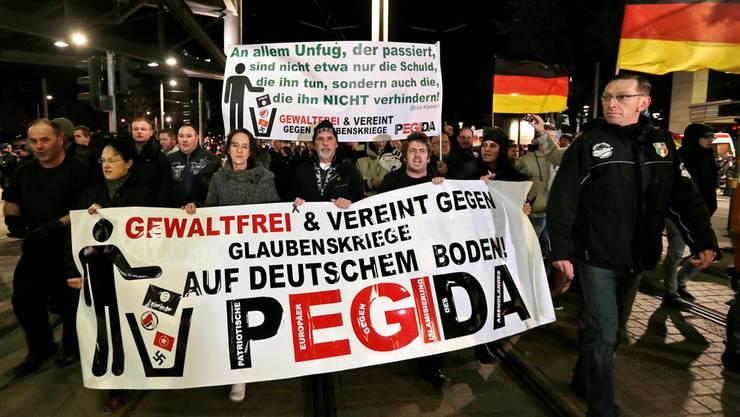 Die anti-islamischen Pegida demonstrierten erst gestern wieder in Dresden. Im Februar soll es auch in der Schweiz Demos geben.