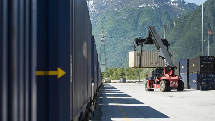 Italienische Zöllner fanden in drei Übersee-Containern 37 Tonnen Drogen. (Symbolbild)