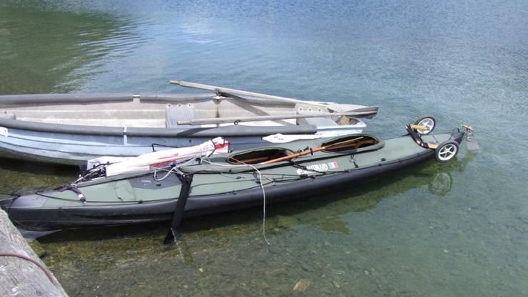 Der Ausflug eines Rentnerpaares mit dem Faltboot (vorne) auf dem Engadiner Silsersee endete tödlich, als eine Windböe das Segelkanu kentern liess.