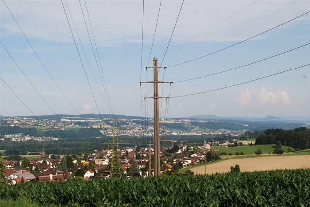 Die alte Starkstromleitung in Niederwil. Wo die neue hinkommt, wird sich noch klären.