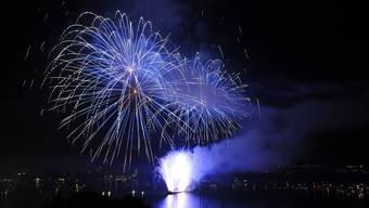Das Feuerwerk über dem Bieler Seebecken.
