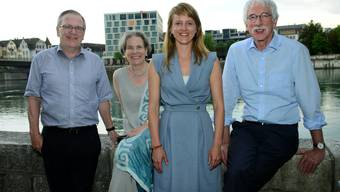 Direktorin Seraina Rohrer (vorne) und Präsidentin Christine Beerli mit den neuen Vorstandsmitgliedern Peter Gomez (l.) und Klaus Fischer.