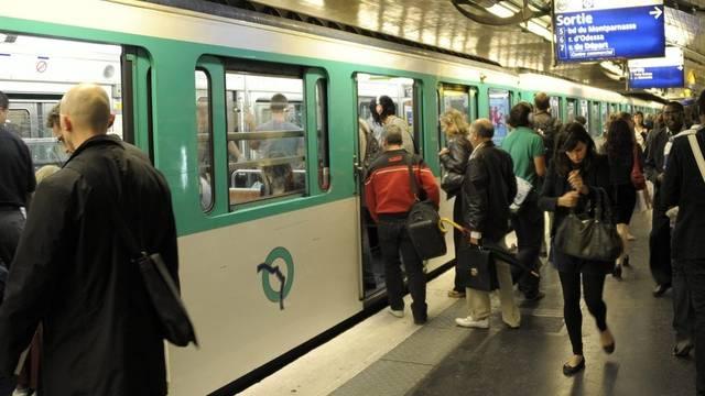 Die Pariser Metro wird laufend modernisiert (Archiv)