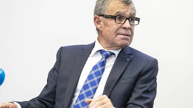 Für Finanzdirektor Ernst Stocker (SVP) zeigt das Top-Rating der Kantonsfinanzen der Rating-Agentur Standard & Poor's, dass der Regierungsrat auf dem richtigen Weg ist. (Archivbild)