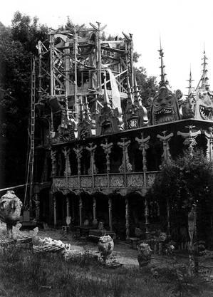 Der Aufbau des Bruno Weber Skulpturenparks