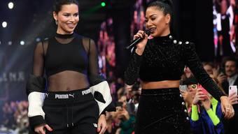 Standen gemeinsam auf dem Laufsteg: US-Sängerin Nicole und das brasilianische Model Adriana Lima an der Berlin Fashion Week.
