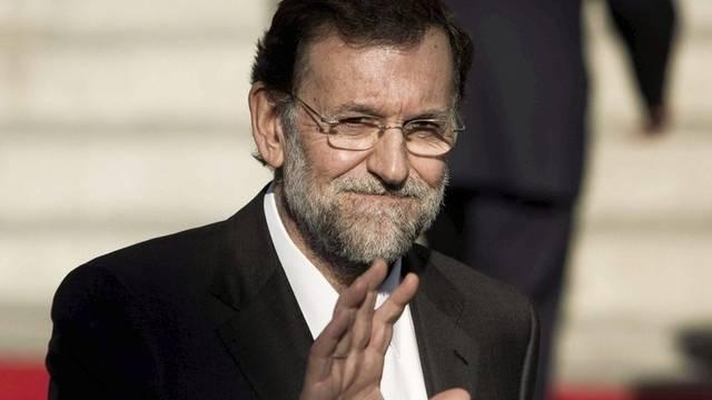 Dem neuen Premier Mariano Rajoy wird laut einer Umfrage Wortbruch vorgeworfen (Archiv)