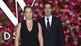 Amy Schumer und ihr Partner Chris Fischer haben Nachwuchs bekommen. (Archivbild)
