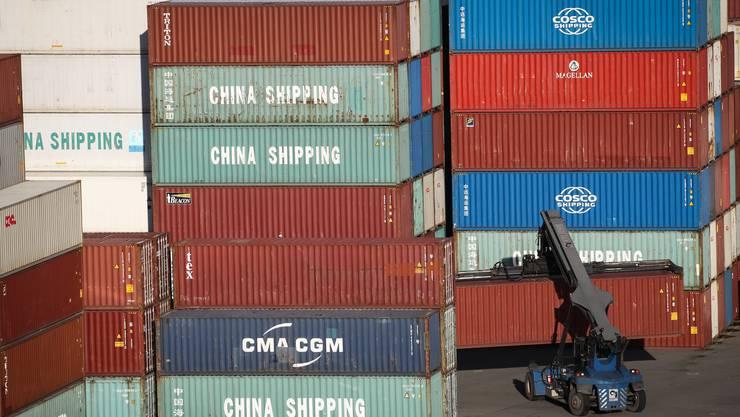 Weil der Welthandel unter dem Corona-Virus besonders leiden dürfte, sagen die ETH-Konjunkturforscher der Exportwirtschaft schwierige Zeiten voraus.