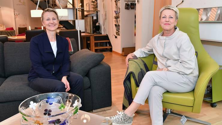 Anita Schenker (links) und Ursula von Arx verabschieden sich Ende Juni von ihrer Kundschaft.