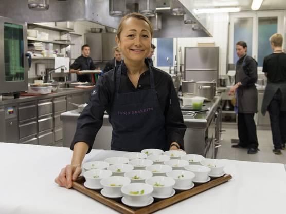 Die Köchin fordert dazu auf zu essen, worauf man Lust hat. Von veganer Küche hält sie wenig.