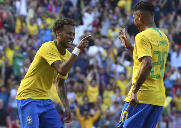 Die Brasilianer (hier Neymar, links, und Firmino) wollen auch in Russland jubeln