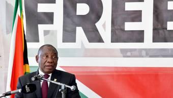 25 Jahre nach dem Ende der Apartheid in Südafrika hat Präsident Cyril Ramaphosa auf die Probleme im Land hingewiesen.