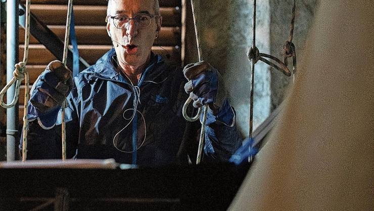 Eric Nünlist waltet Im Glockenturm seines Amtes.