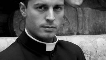 Im «Calendario Romano» versammelt Fotograf Piero Pazzi zwölf attraktive Geistliche.