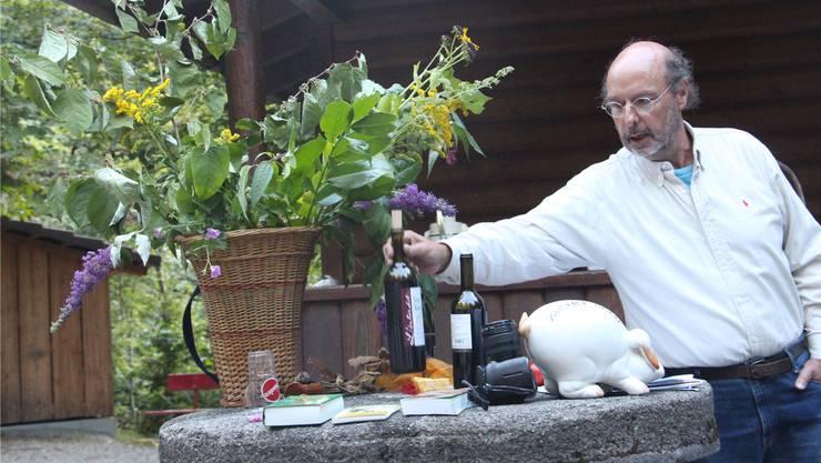 Stephan Marti zeigte bei seinem Vortrag auch Wein.