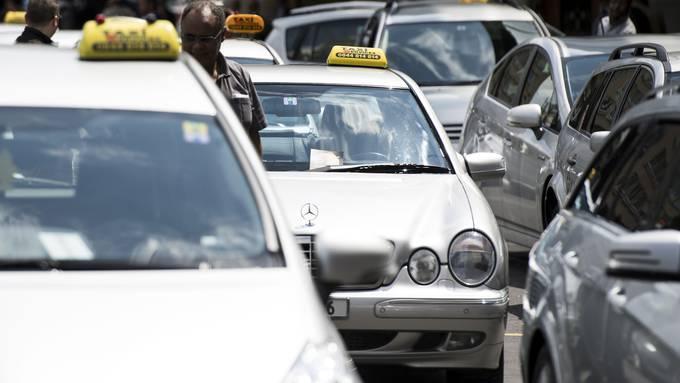 Auch Taxifahrer sollen von Hilfe profitieren.