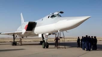 Eine russische Tu-22M3 auf dem iranischen Luftstützpunkt Hamadan.