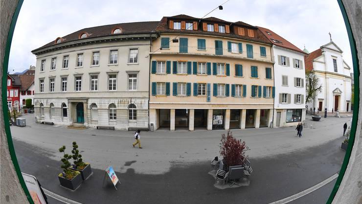 Die Gebäude an der Kirchgasse 10 (Ex-Naturmuseum, links) und an der Kirchgasse 8 (Kunstmuseum) sollen nicht zu einem Haus der Kultur werden. Bild: Bruno Kissling (9. April 2019)