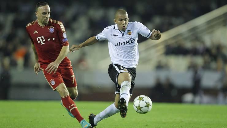 Bayerns Franck Ribéry gegen Valencias Sofiane Feghouli.