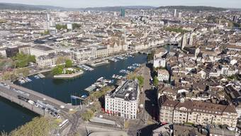 1962 besass Zürich 440'180 Einwohner. Bis 1990 waren die Bevölkerungszahlen rückläufig. Nun dürfte der Rekord schon bald gebrochen werden. (Themenbild)