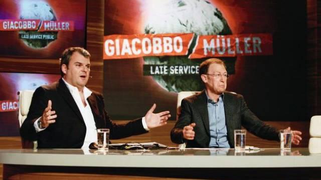 Mit Lachern gegen den Zuschauerverlust: Mike Müller und Viktor Giacobbo. Foto: Heinz Stucki