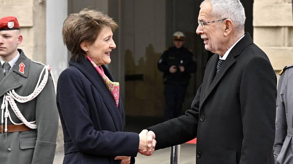 Schweiz und Österreich pochen auf Umsetzung der Klimaziele