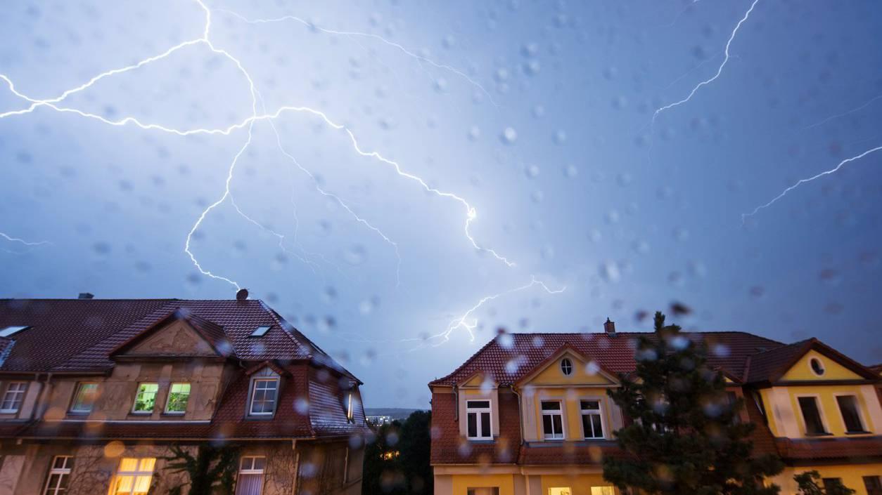 Gewitter zogen über die Schweiz und brachten 7500 Blitze. (Symbolbild)