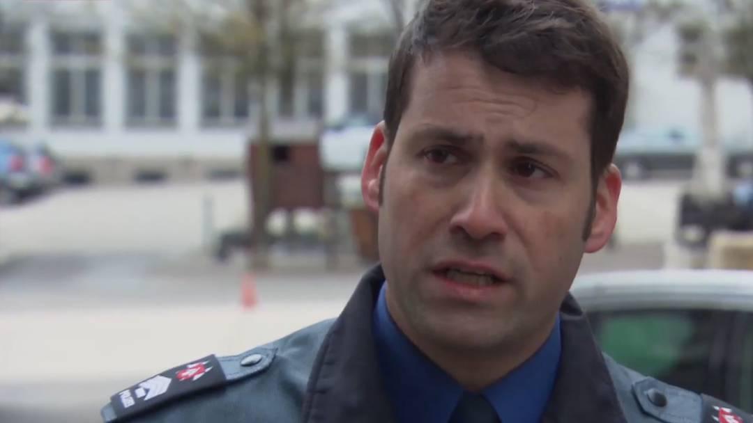 """""""Du weisst nie, ob du mit einer ansteckenden Person zu tun hast, das ist schon krass"""": Ein Polizist erzählt"""