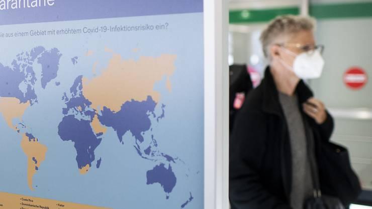 Für die Rückkehr aus Corona-Risikoländern gilt eine Einreisequarantäne. Eine erste Bilanz der Zürcher  Gesundheitsdirektion zeigt, dass diese meist eingehalten wird. (Archivbild)