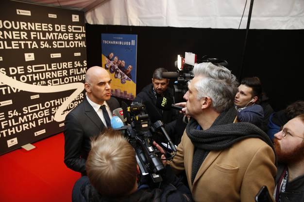 Bundesrat Alain Berset vor den Medien