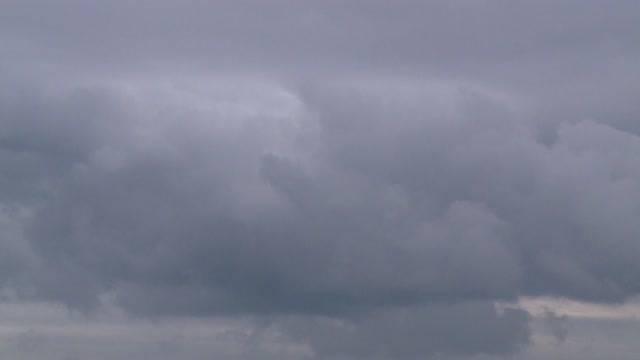 Hagel und Sturm in Anmarsch!
