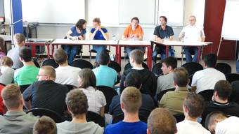 Die Kandidaten: Rosmarie Joss, Bela Gisin, Stefan Erb, Raffaele Cavallaro und Rafael Wohlgemut (v.l.). ksc