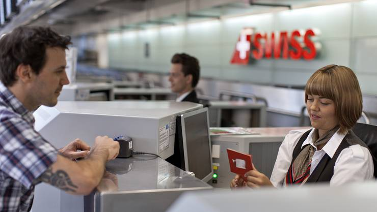 Check-in am Flughafen Zürich: Fluggäste bringen am besten starke Nerven mit. (Symbolbild)