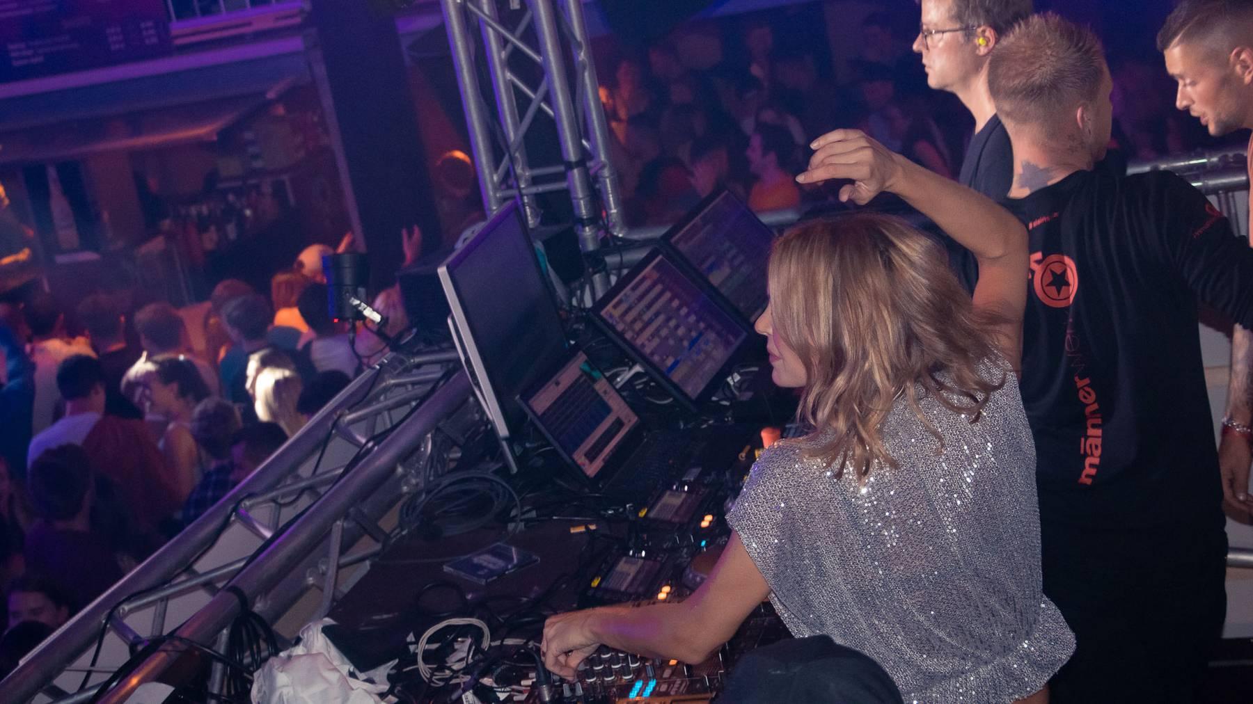 Tanja La Croix in der FM1 Radio City.