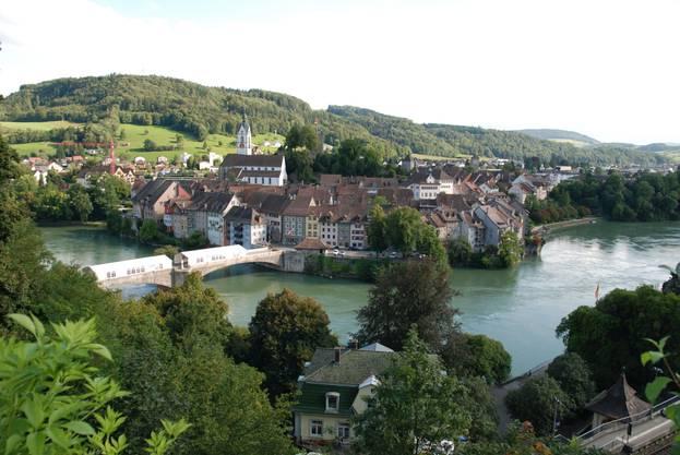 Die Ähnlichkeit mit Laufenburg ist frappant, sogar Fassaden sind identisch.
